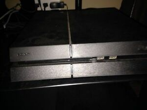 Ps 4 almost brand new with Uncharted 1,2,3,4
