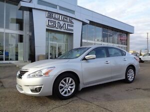 2015 Nissan Altima 2.5 - Fuel Sipping Performance!