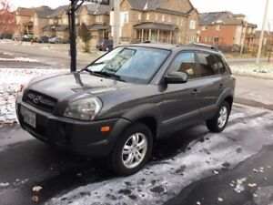 2008 Hyundai Tucson SUV, Low KM-Clean Record- With Winter Tires