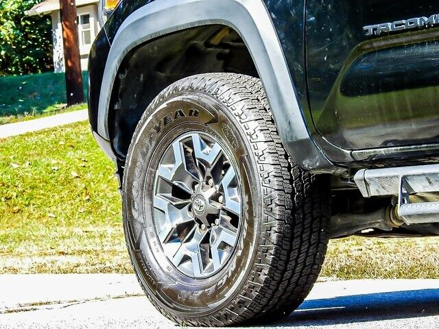 Image 6 Voiture American used Toyota Tacoma 2018