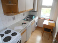 1/2 DOUBLE BEDROOM FLAT, FULLY FURNISHED, CLOSE TO BUS AND WOOD GREEN UNDER GROUND STATION, N22.