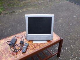 """Digix 15"""" TFT LCD TV"""