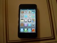 APPLE IPOD TOUCH MP3 MUSIC PLAYER 32 GB WITH C/D DOCKING PLAYER