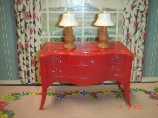 1950 s Renwal Dollhouse Red Server And 2 Caramel Colored Table Lamps - $9.99