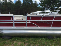 2015 Montego Bay Deluxe Red 16' Pontoon Cruise