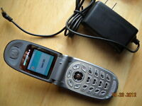 Motorola V-188 Flip Cell Phone