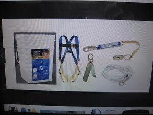 Fall Arrest Kit - Werner K112201 Roofing Harness Kit