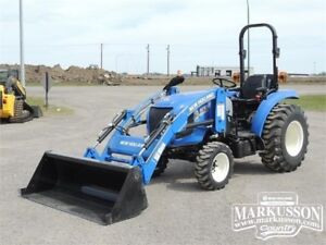 NH Boomer 40 Compact Tractor - PTO, 3pt Hitch, Loader, 6 Yr Warr