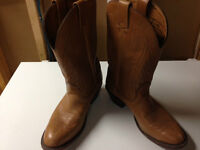 Mens 10.5 EE Alberta Boot Co cowboy boots (Like new)