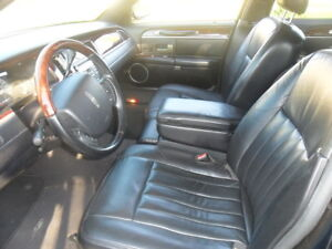 2006 Lincoln TownCar,Loaded,Black,PrivateUse,HiwayKm Car