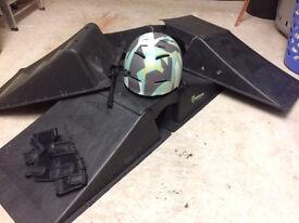 Skate Ramps / Helmet & Wrist Pads - Suit Skates, Skateboards and BMX