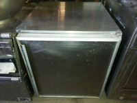 2ft x 2ft Silver king undercounter or counter top cooler! Cold