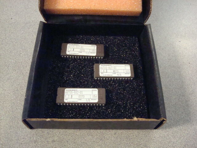 Lot of 3 Allen Bradley Memory Modules 46715-932-01 917