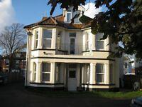 Newly refurbished 1 bedroomed unfurnished maisonette, great location, nr sea, shops, alloc parking