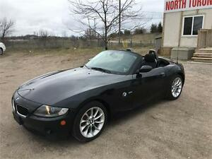 2005 BMW Z4 2.5i - CONVERTIBLE - LEATHER - LOW KM