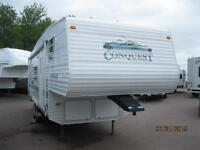 WOW!! Conquest 26' Fifth Wheel with Corner Bunks only 6,060 lbs.