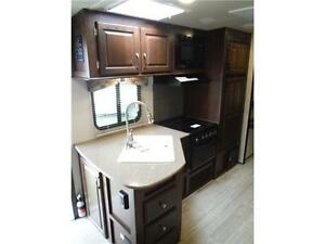 2017 Solaire 240BHS Travel Trailer w Bunkbeds & O/S kitchen Stratford Kitchener Area image 8