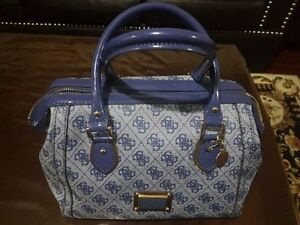 Guess bags in almost Brand New Condition