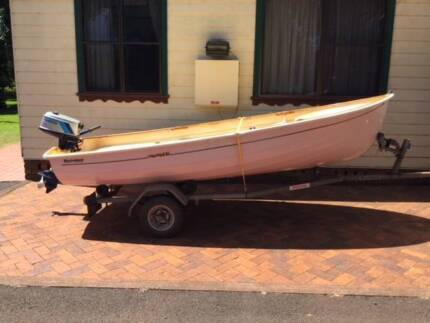 Seabird Sailing/Motor Dinghy 3.8mt in very good condition