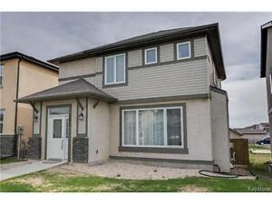 BEAUTIFUL TWO STOREY IN BRIDGWATER *OPEN HOUSE TODAY FROM 3-5*