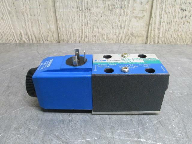 Vickers DG4V-3S-2B-M-U-H5-60 Hydraulic Directional Control Solenoid Valve