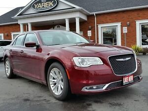2016 Chrysler 300 Touring, Leather Heated Seats, Pano Sunroof, B