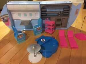 BARBIE CRUISE JET Combo kit with 4 Barbies FOR SALE Oakville / Halton Region Toronto (GTA) image 4