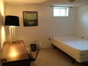 GREAT Windsor Rental! Furnished, clean, easy rental!