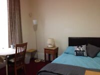 Room to let on Hillhead Street - close to GU - fully inclusive rent