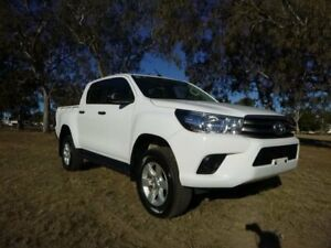 2017 Toyota Hilux GUN126R MY17 SR (4x4) Glacier White 6 Speed Automatic Dual Cab Chassis Chinchilla Dalby Area Preview