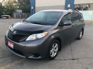 2014 Toyota Sienna 7 Passenger|Heated Mirrors|Accident Free|
