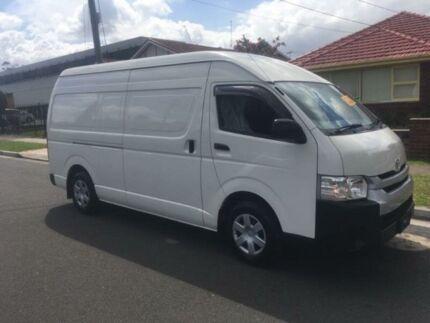 2014 Toyota Hiace White Automatic Van