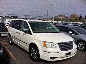2010 CHRYSLER TOWN N COUNTRY LIMITED, REDUIT 9980$ 514-817-0095