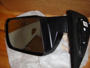 07 08 09 10 11 Toyota Tundra Driver's side OEM Mirror