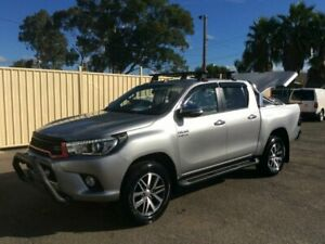 2016 TOYOTA HILUX SR5  2016 4X4  AUTO SILVER  4X4 LOW KMS HARD COVER ALLOY NUDGE  BAR SERVICE HISTOR Lansvale Liverpool Area Preview