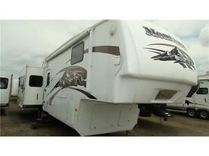 2009 Montana 366RE 5th wheel RV