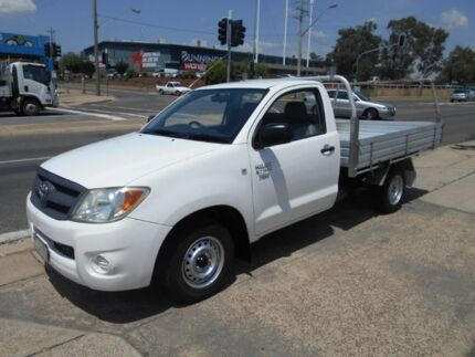 2006 Toyota Hilux TGN16R MY05 Workmate 4x2 White 5 Speed Manual Cab Chassis Fyshwick South Canberra Preview