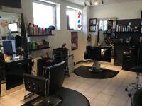Poste de coiffeur/coiffeuse à combler