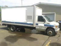 CAMION CUBE 16 PIED FORD E-450 .. 1999