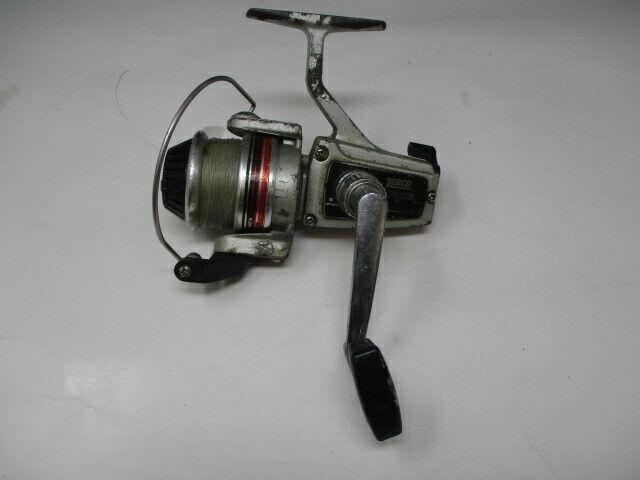 VINTAGE ZEBCO Lancer 4040   FISHING REEL with Line ~WORKING