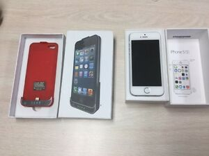 IPhone 5s   32 GB SILVER EXCELLENT CONDITION