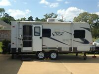 2012 canyon cat 17fq with slide out