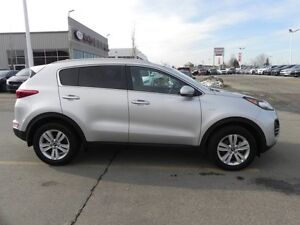 2017 Kia Sportage AWD LX HEATED SEATS Accident Free,  Heated Sea