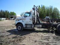 2005 STERLING LT9500 TRI DRIVE TRACTOR
