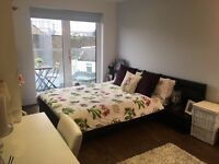 Large, modern double bedroom Clapham North - AVAILABLE NOW
