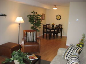 1 Bedroom Suites Available in Parkwood Condominiums