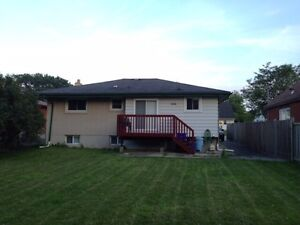 Roommate Rental close to Fanshawe! Totally inclusive London Ontario image 2