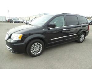 2016 Chrysler Town & Country TOURING Leather