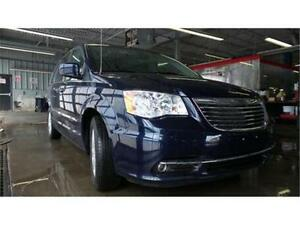 2014 Chrysler Town & Country Touring     ONLY...$147 BI WEEKLY