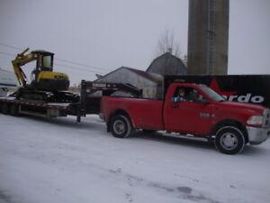 transport tracteur, équipement ,machinerie,paille, foin, etc...